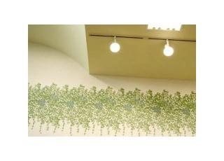 天井:リハビリ治療中の間もリラックスしていただけるように、天井は広く、光を多く取り込み、開放感のある室内になっています。