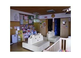 *待合室:絵本やおもちゃがたくさんあり、お子さんを飽きさせません。
