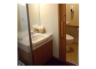 特診専用トイレ特診で治療を受けるお子さん専用のお手洗いです。