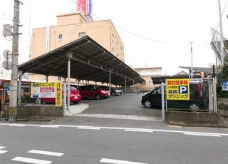 当クリニックの向かい側に、6台分の駐車場があります。