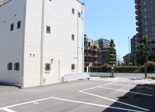 2号線そばの駐車場です。