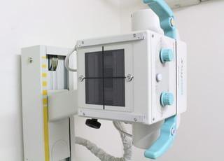 レントゲンは骨や肺などの検査に用います