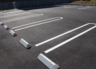 駐車場は18台分あります