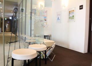 赤坂おだやかクリニック 赤坂駅(東京都) 呼ばれるまで、待合室でお待ちいただきます。の写真