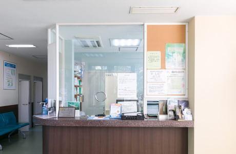 森皮膚科・泌尿器科医院 武雄温泉駅 3の写真