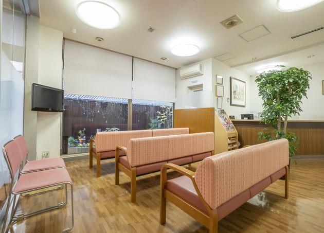 五十嵐産婦人科医院 広瀬通駅 3の写真