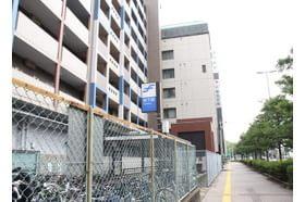 こうのクリニック 吉塚駅 地下鉄 馬出九大病院前駅 4番出口を出て左、「不動産会館」の奥のビルです。の写真