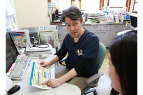くにひろ社ノ木クリニック 門司駅 患者さまにきちんと伝わるよう説明しています。の写真