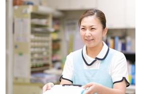 冨田小児科医院 甘木駅 受付時にスタッフが優しくお話をお聞きします。の写真