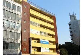 広尾かなもりクリニック 広尾駅 3番出口を出てすぐのビルの4Fに当院がございますの写真