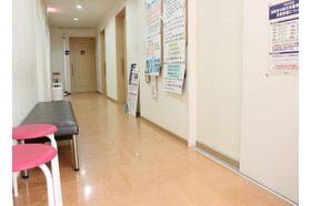 ひろせ内科 豊明駅 院内も清潔に保たれておりますの写真