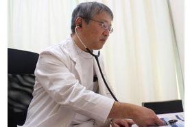 ひろせ内科 豊明駅 医師・スタッフの連携し患者さまの症状に適した治療を行っていますの写真