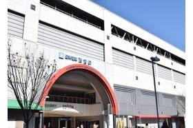 すずきレディースクリニック 西宮駅(阪神) 駅から近く平日18時30分まで診療しておりますのでお仕事をしながら治療を受けることができますの写真