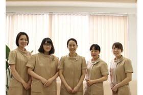 山田医院 鶴見駅 女性スタッフが多い医院です。女性の患者さまも気軽にお越しください。の写真