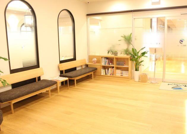 D MEDICAL CLINIC OSAKA 梅田駅(阪神) 3の写真